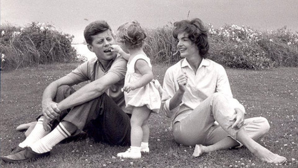 The-Kennedy-Question-jfk-happy-families-2